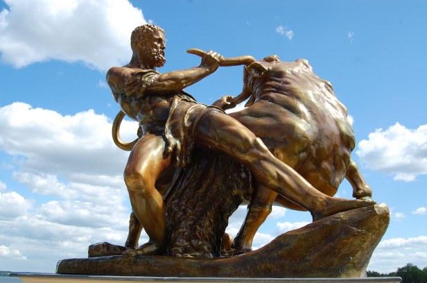 Hercules-touro