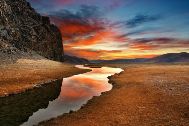 beautiful-sunset-gobi-desert-mongolia--16310